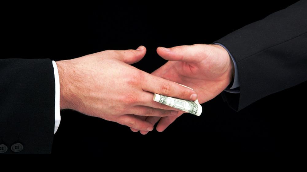 Бизнес выбирает коррупцию!