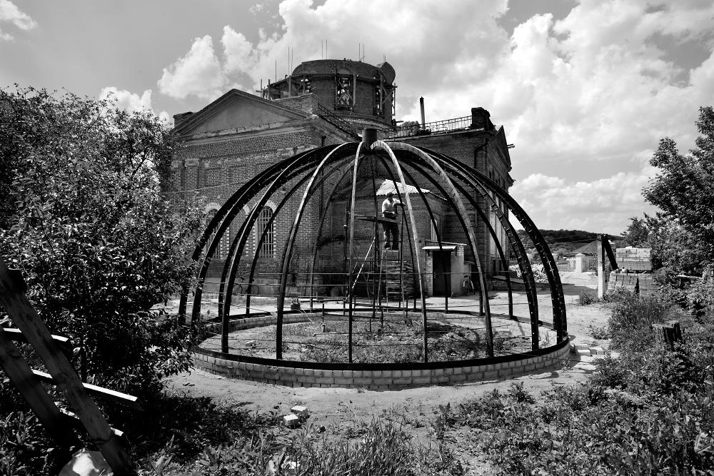 Четыре года из жизни православного храма