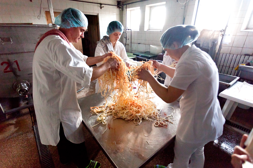 Как делают адыгейский сыр (и другие сыры)